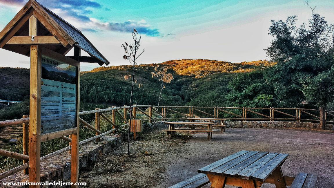 Mirador los lagares valle del jerte for Oficina de turismo valle del jerte