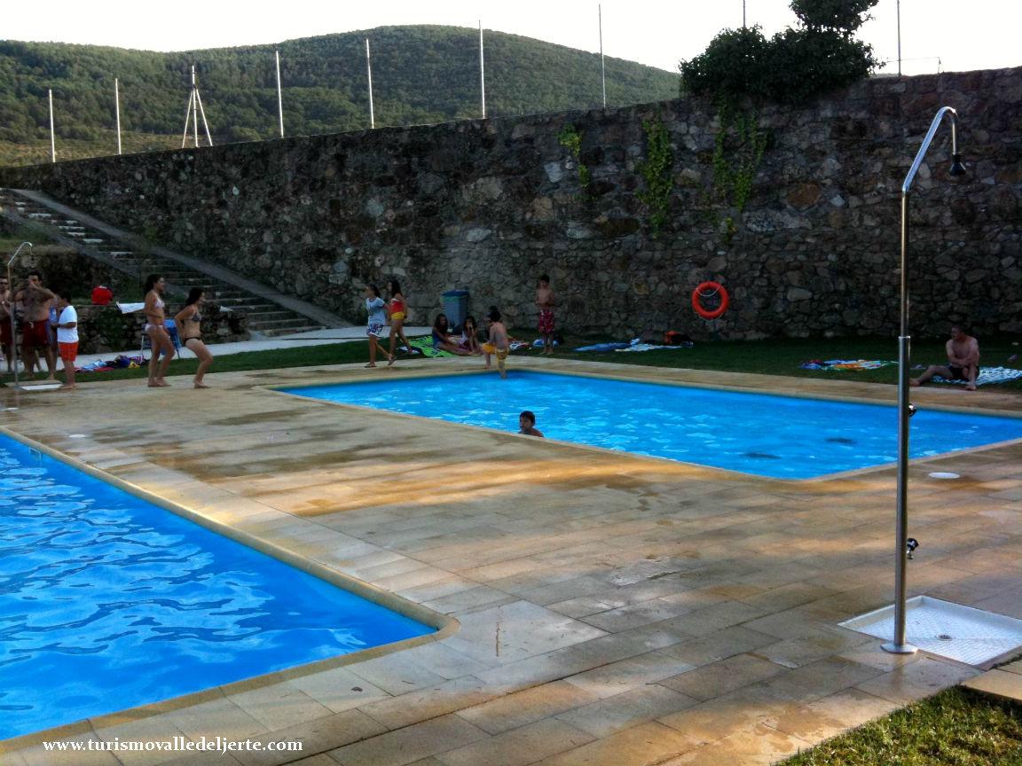 Casas con piscinas top piscina en casa de campo with for Piscina municipal casa de campo